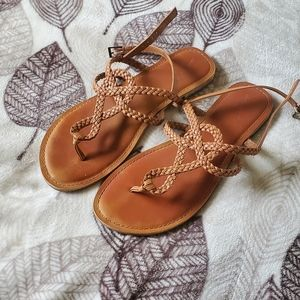 Women's woven flip flop sandals vacation
